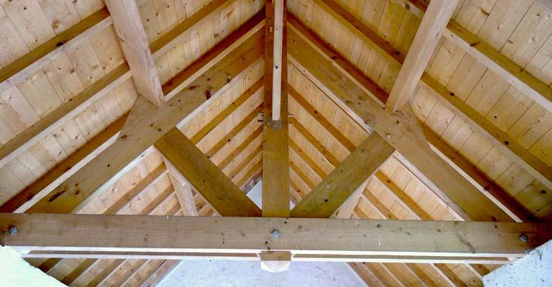 Charpente : Charpente traditionnelle, charpente à fermettes … du massif au lamellé-collé. MEUCHE Couverture : Artisan charpentier en  Île-de-France Val-d'Oise 95.