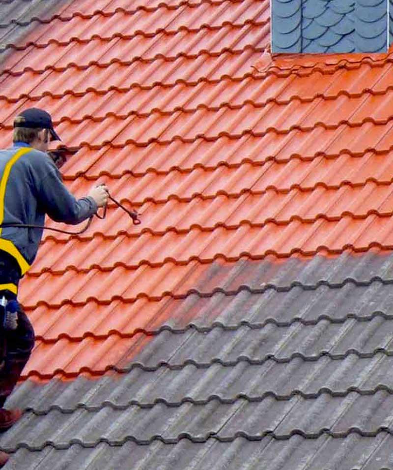 Peinture hydrofuge toiture : nettoyage toiture et protection anti-mousse. Revêtement peinture hydrofuge coloré dans le Val-d'Oise 95 - MEUCHE COUVERTURE